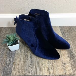 NWOB Restricted Navy Blue Velvet Ankle Booties